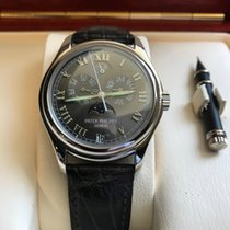 Patek Philippe Automatic 2005 pre-owned Annual Calendar Grey