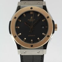 Hublot Classic Fusion 45, 42, 38, 33 mm Gold/Steel 42mm Black No numerals