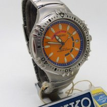 Seiko Steel 40 mmmm Quartz SKH379P1 new