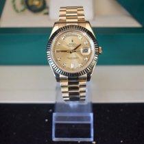 Rolex Zuto zlato Automatika Boja šampanjca Rimski brojevi 41mm rabljen Day-Date II