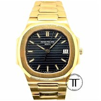 Patek Philippe Nautilus Yellow gold 33mm Black No numerals
