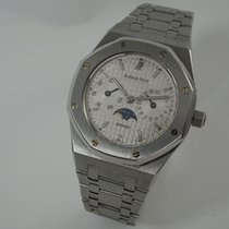 Audemars Piguet Royal Oak Day-Date pre-owned 36mm White Moon phase Date Weekday Steel