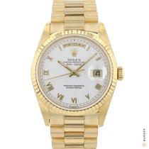 Rolex Day-Date 36 tweedehands 36mm Wit Datum Dagaanduiding Geelgoud