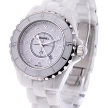 Chanel H1628 J12 33mm in White Ceramic - on White Ceramic...