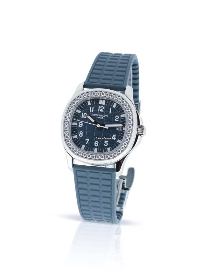 Patek Philippe Lady Aquanaut 5067A-025 - Blue Dial - Box & Papers