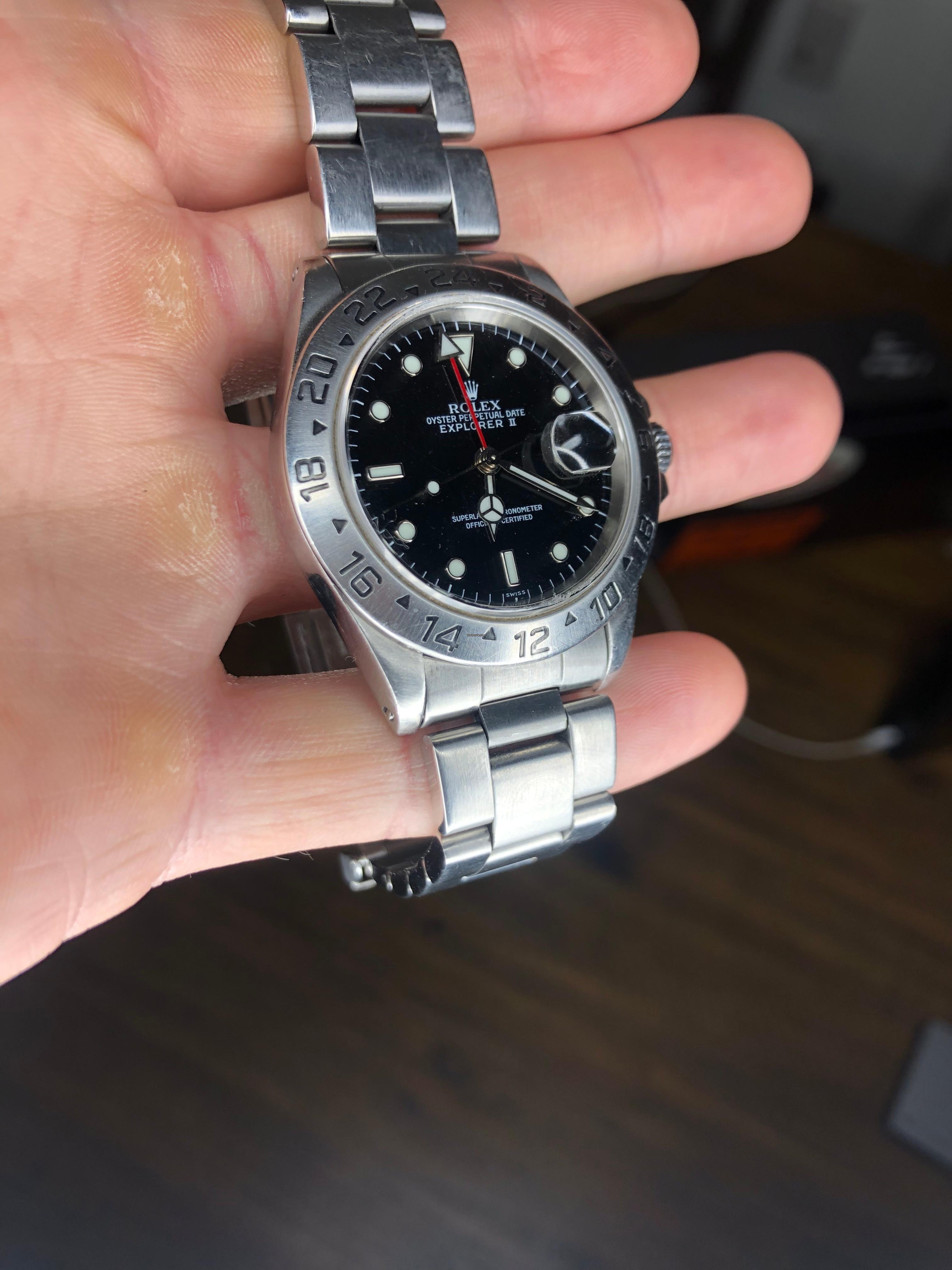 datant montres Rolex par numéro de série avantages et inconvénients de la datation d'un gros homme