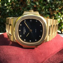 Patek Philippe Nautilus pre-owned Yellow gold