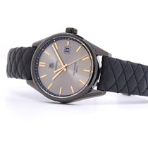 TAG Heuer Carrera Lady pre-owned 41mm Titanium