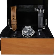 Panerai Luminor GMT Automatic PAM00161 pre-owned
