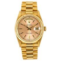 Rolex Day-Date 36 Zuto zlato 36mm Sedef-biserast Bez brojeva