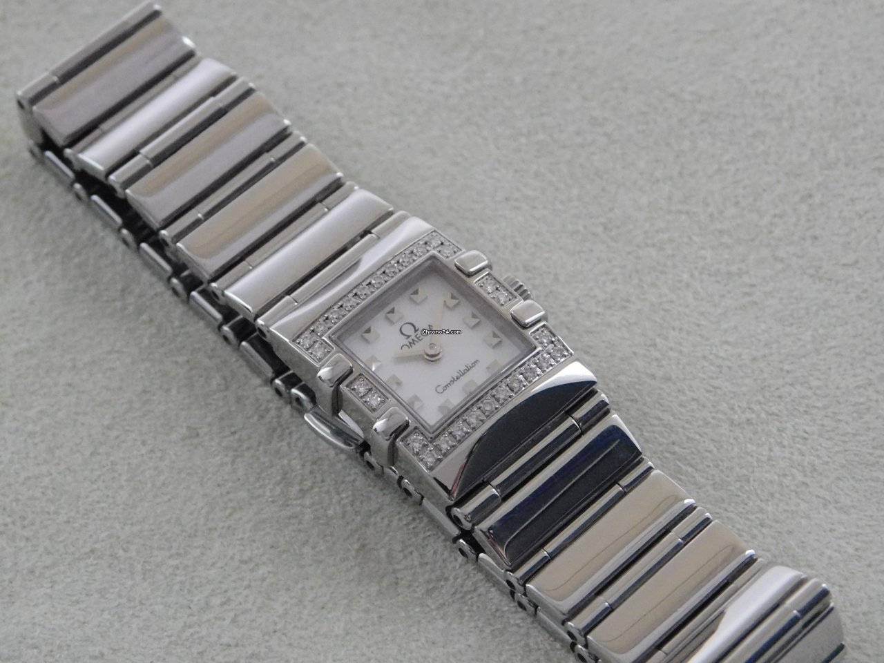 Omega Constellation Ladies 1528.76.00 2001 pre-owned