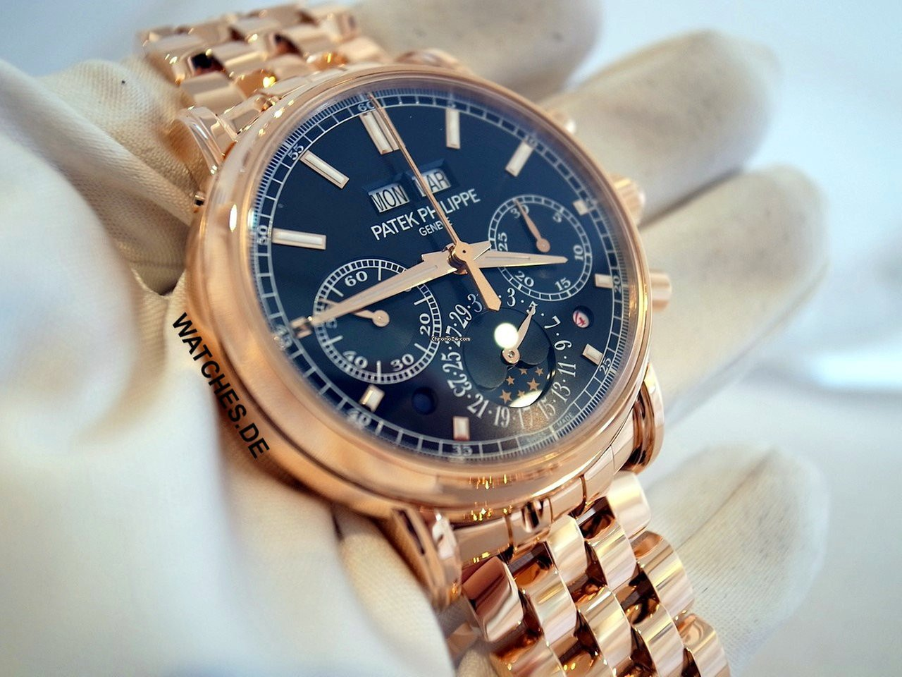 307c695a7a4 Relógios com calendário perpétuo - 3.708 ofertas na Chrono24