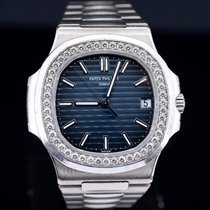 Patek Philippe 5713/1G-010 White gold 2014 Nautilus pre-owned