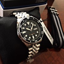 Seiko Divers SKX007 with jubilee bracelet + FREE Bond NATO...