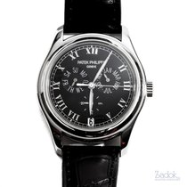 Patek Philippe Annual Calendar pre-owned 37mm Platinum