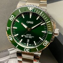 Oris Aquis Date pre-owned 43.5mm Green Date Steel