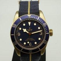 튜더 블랙 베이 브론즈 브론즈 43mm 파란색 아라비아 숫자