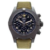 百年靈 (Breitling) Avenger Hurricane Military