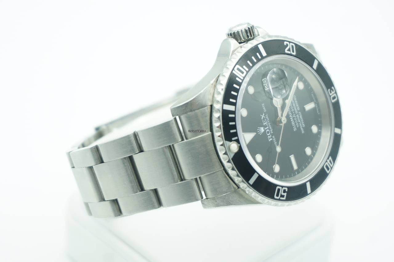 rolex submariner date stainless steel black dial 16610t 2005 box