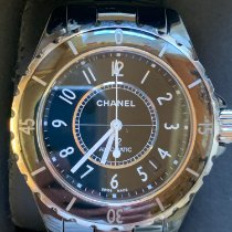 Chanel J12 H0685 2010 pre-owned