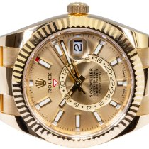 Rolex Sky-Dweller Yellow gold 42,00mm Champagne No numerals