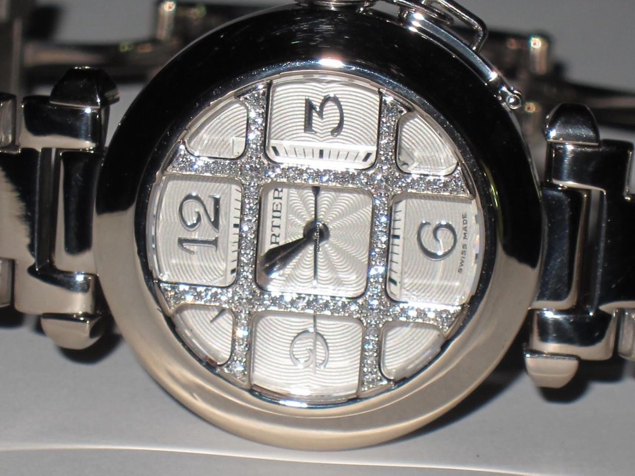 Cartier Pasha pre-owned
