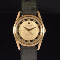 Universal Genève pre-owned Automatic 35mm Champagne Plexiglass