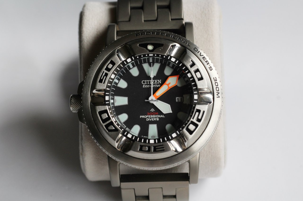 Citizen Ecozilla with titanium bracelet and adapters -... for £262 for sale  from a Private Seller on Chrono24 7af039a14a