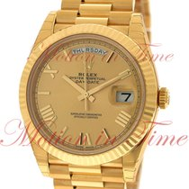 Rolex Day-Date 40mm President, Champagne Dial, Fluted Bezel -...
