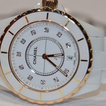 Chanel J12 H2180 pre-owned