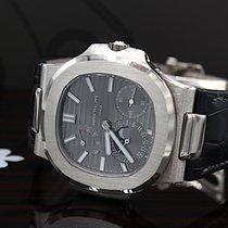 Patek Philippe Nautilus White gold 43mm Grey