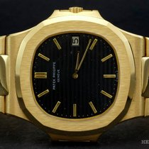Patek Philippe Nautilus ref 3700/1 18k yellow gold with...