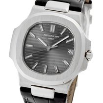 Patek Philippe 5711G-001 White gold Nautilus 40mm pre-owned