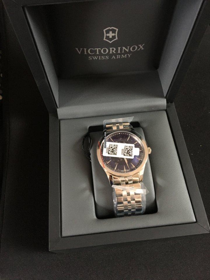 9433b815d Koupě hodinek Victorinox Swiss Army | Porovnání hodinek Victorinox Swiss  Army online - luxusní hodinky na Chrono24
