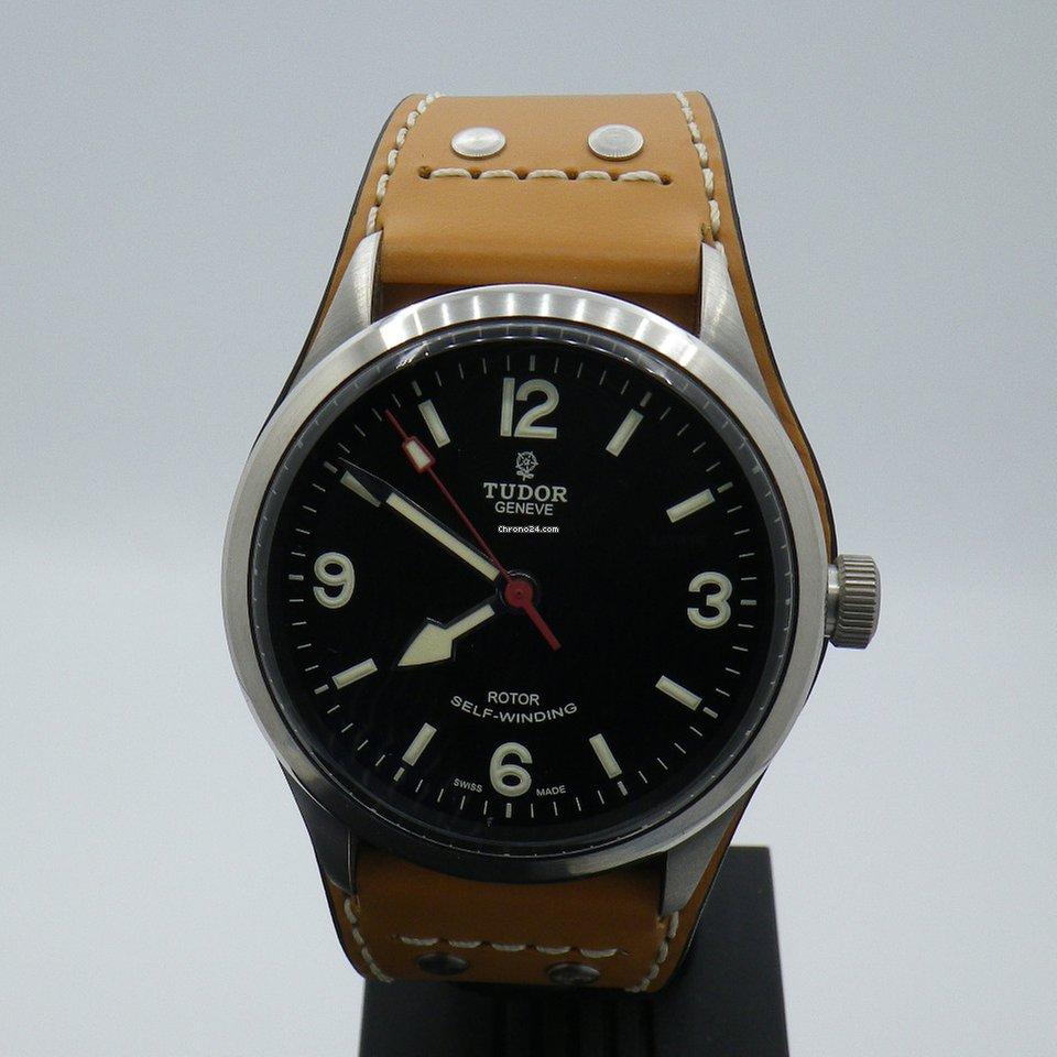 Tudor montre datant
