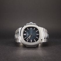 Patek Philippe Nautilus 5711 Blue Absolutely Mint