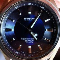 Seiko Titanium Quartz Blauw Arabisch 42mm tweedehands