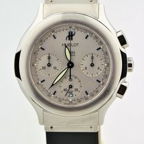 Hublot Classic pre-owned 34mm Silver Rubber