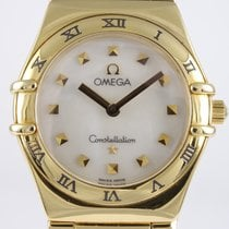 Omega Constellation pre-owned 26mm Mother of pearl Yellow gold