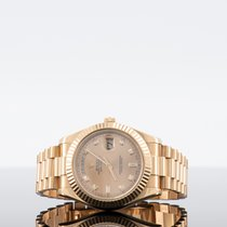 Rolex Day-Date II Zuto zlato 41mm Boja šampanjca Bez brojeva