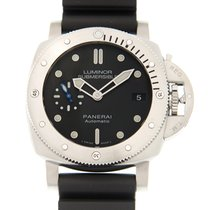 パネライ (Panerai) Luminor Stainless Steel Black Automatic PAM00682