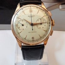 Universal Genève Chronograph caliber 285 with 18kt case