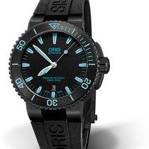 Oris DIVING AQUIS DATE Total Black-Rubber Strap-Light Blue Detail