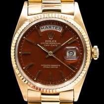 Rolex Day-Date Yellow gold 36mm Red