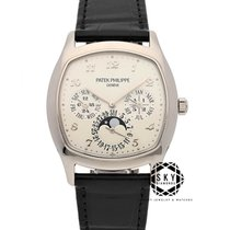 Patek Philippe Perpetual Calendar White gold 37mm Silver Arabic numerals United States of America, New York, NEW YORK