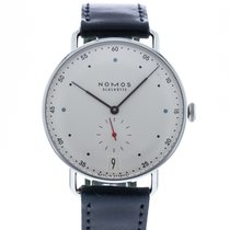 NOMOS Metro 38 Datum pre-owned 38.5mm White Date Leather