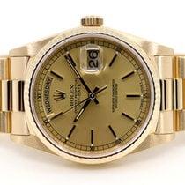 Rolex Day-Date 36 Žluté zlato 36mm Šampaňská barva Bez čísel