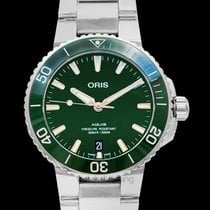 Oris Aquis Date new Automatic Watch with original box and original papers 01 733 7732 4157-07 8 21 05PEB
