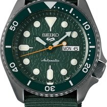 Seiko 5 Sports Steel 42,5mm Green