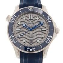 歐米茄 Seamaster Diver 300 M 新的 自動發條 附正版包裝盒和原版文件的手錶 210.32.42.20.06.001